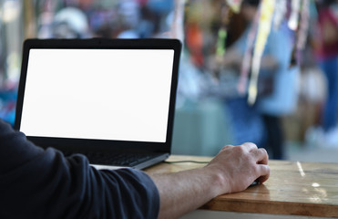 Freelance employees are using laptops to work outside the office.