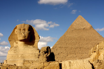 sphinx and pyramid in giza egypt
