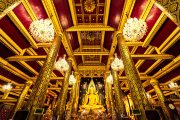 Wat Phra Si Rattana Mahathat, The temple is famous for its gold-covered statue of the Buddha, known as Phra Phuttha Chinnarat. Colloquially referred to as Wat Yai is a temple in Phitsanulok, Thailand.