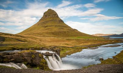 Kirkjufell mountain and waterfall, Grundarfjordur, Snaefellsnes Peninsula, Vesturland, Iceland