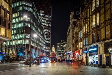 Victoria station in the night, London Fotomurales
