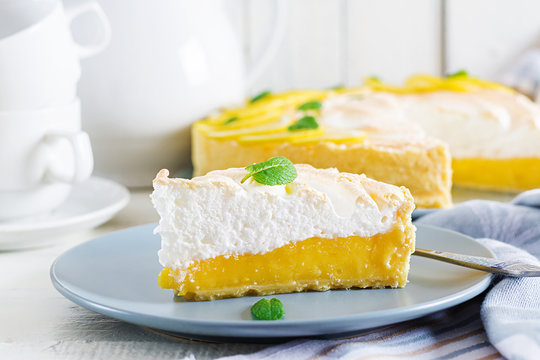 Tart with lemon curd  and meringue. Lemon  pie. American cuisine. Dessert.