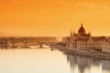 Wall Mural - Budapest cityscape with Parliament building and Danube river