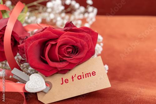 Declaration D Amour Ecrite En Francais Sur Un Carton Avec Une Rose