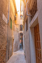 The narrowest street sight in the city of Venice is Calle varisco