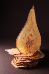 dried pear chips