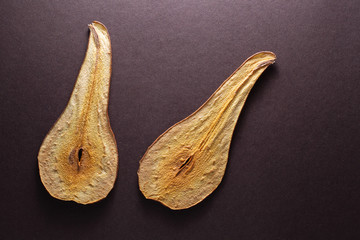 Pear fruit chips