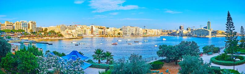 Panorama of Independence garden and Sliema coast, Malta Fototapete