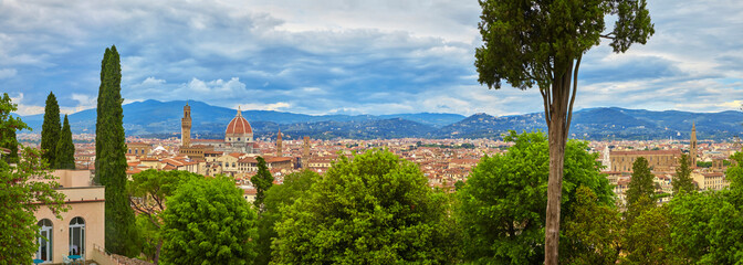 Beautiful city panorama of Florence with Palazzo Vecchio and Santa Maria del Fiore.