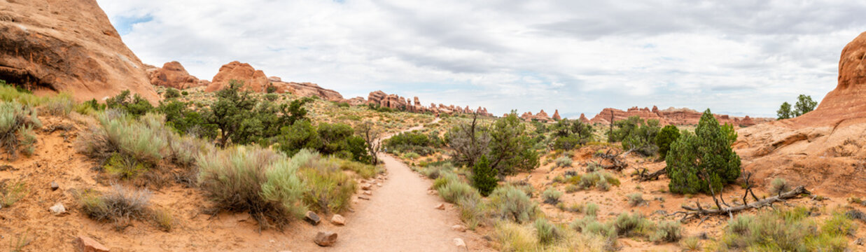 Panorama in Devils Garden Trail in Arches National Park, Utah