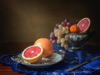 Still life with grapefruits