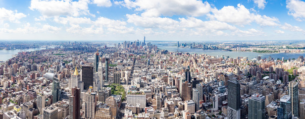 South Panorama view from The Empire State Building with Lower Manhattan and One World Trade Center, New York, United States