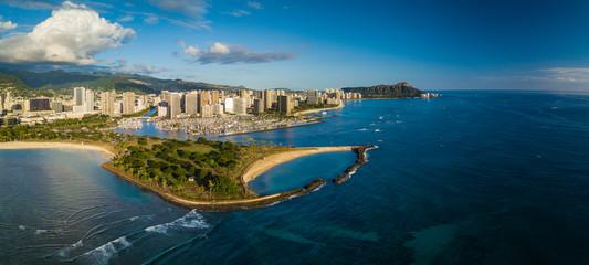 Wall Mural - Aerial panorama of the city of Honolulu, Oahu, Hawaii