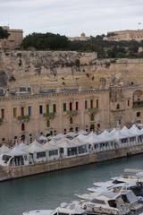 Fond de hotte en verre imprimé Port vista del porto di la valletta a malta con barche ormeggiate