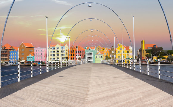Floating pantoon bridge in Willemstad, Curacao, evening time
