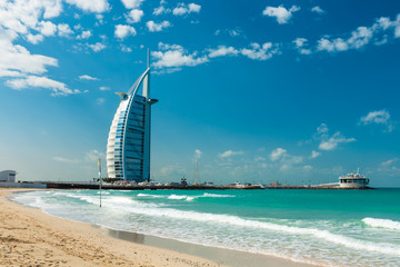 Photo sur Plexiglas Dubai Burj Al Arab Hotel in Dubai, United Arab Emirates