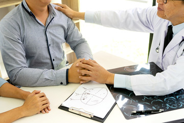 professional brain doctor give a counselor to the patient