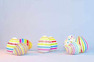 Frohe Ostern - 8 farbenfrohe, bemalte Ostereier auf blauen Hintergrund - Textfreiraum - Oster