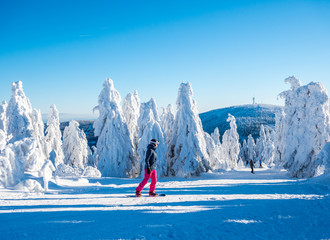 Snowboarden auf dem Fichtelberg in Sachsen