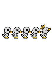 anführer könig krone königin prinzessin prinz arrogant eitel küken viele freunde team crew party chicks huhn baby vogel kleines kind süß niedlich comic cartoon clipart ente design