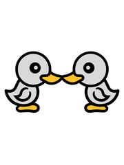 2 freunde team paar kuss küssen liebe verliebt huhn küken baby vogel kleines kind süß niedlich comic cartoon clipart ente design