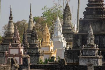 Stupa, Nokor Bachay Pagoda, Kampong Cham, Cambodia