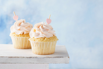Vanilla cupcakes for Valentine's Day or wedding.