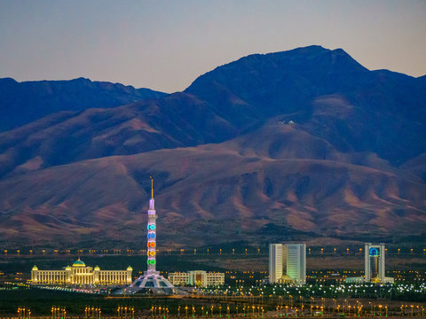 Impressions from Ashgabat, capital of Turkmenistan, from the Gate of Hell and Mausoleum in Konya Urgench
