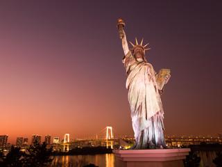 Fototapete - お台場の自由の女神像