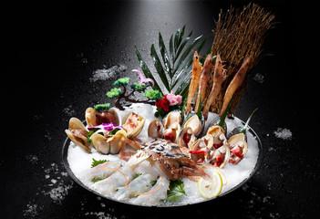 Fresh Japanese cuisine, seafood combination platter