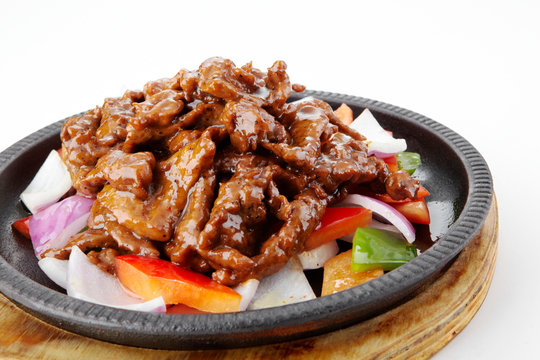 Delicious Chinese cuisine, sizzling beef