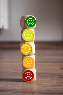 Emoticons auf Würfel Kundenbewertung