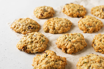 Photo sur Aluminium Biscuit Homemade oat cookies on white background