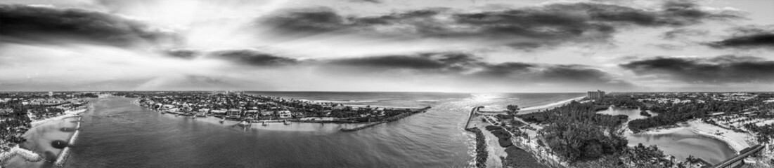 Foto op Canvas Zuid-Amerika land Panoramic aerial view of Jupiter from Dubois Park, Florida