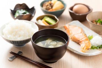 和食の朝食イメージ