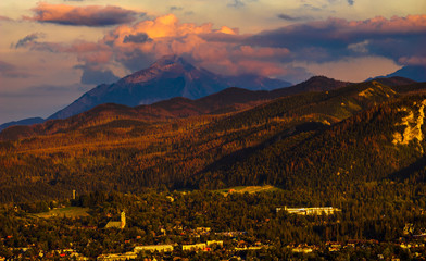Fotomurales - Beautiful mountain landscape in the light of the setting sun.Panorama.Tatra mountain,Poland
