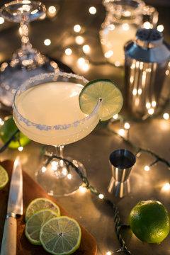 Preparing a margarita cocktail