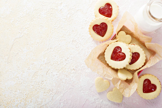 Heart shaped vanilla cookies with jam filling