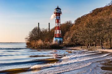 Leuchtturm an der Elbe bei Hamburg