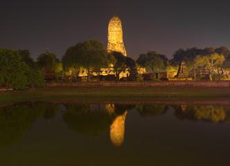 Foto op Plexiglas Asia land Wat Phra Ram Temple at night in Ayuthaya