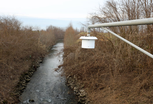 hydrometric probe to detect the height of the river and prevent floods