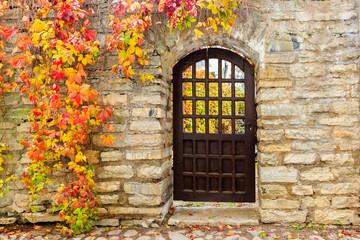 Europe, Eastern Europe, Baltic States, Estonia, Tallinn. Old town, city walls, with gate.