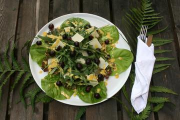 Organisch lifestyle Salatteller Trauben Parmesan kurkuma-senf-Dressing