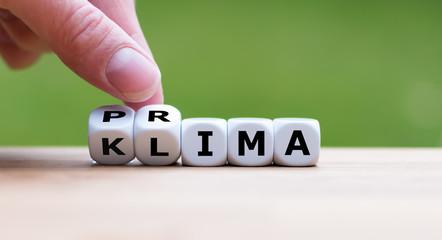 """Würfel bilden die Worte """"Prima Klima"""""""
