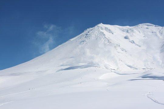 晴れた雪山8 北海道(旭岳)