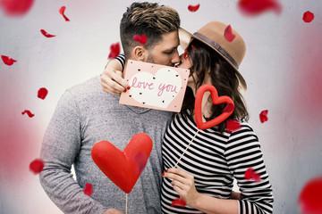 Verliebtes Paar zusammen beim Küssen Valentinstag Karte Geschenke Rose