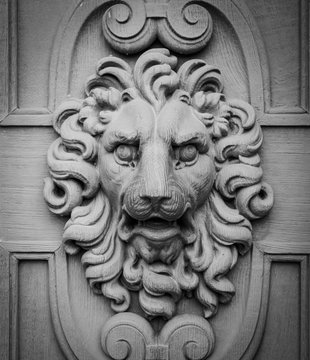 Lion head, decorative element on a wall