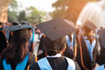 Graduates wear black hats, black hats.Graduates join the graduation ceremony at the university.