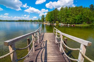 Pomost na jeziorze
