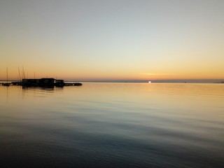 Mar solitario en calma